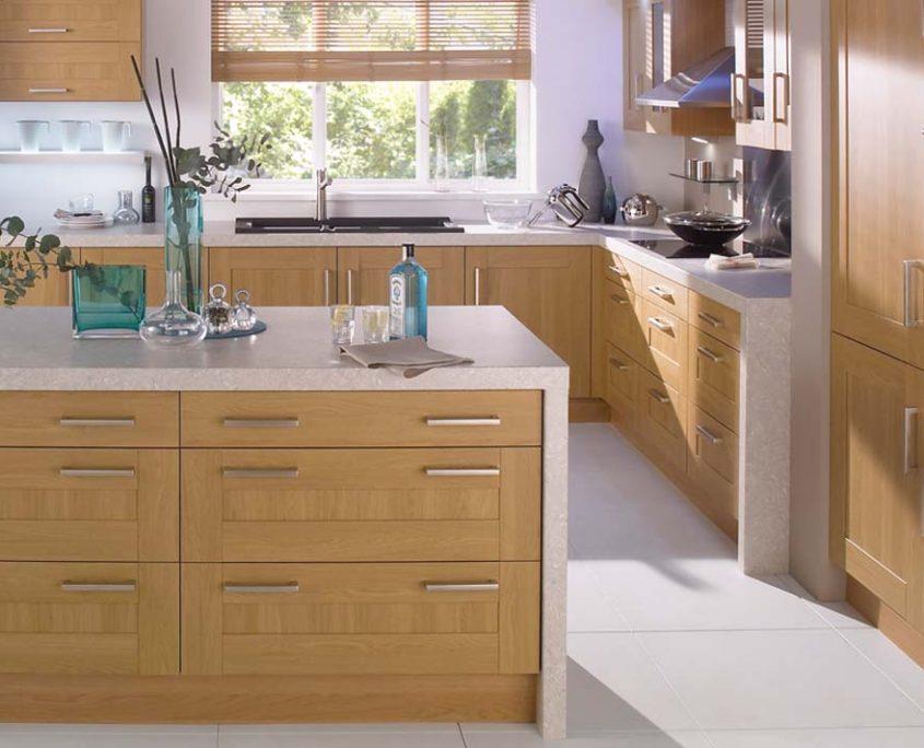 Lissa Oak Shaker & Oak Wood Shaker Sheraton Shaker Kitchen
