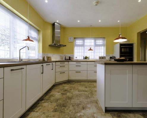 Project 8 forte white with laminate worktop