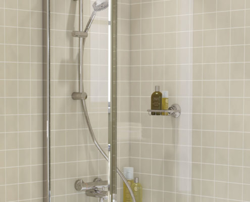 Curved Hinged Bath Screen