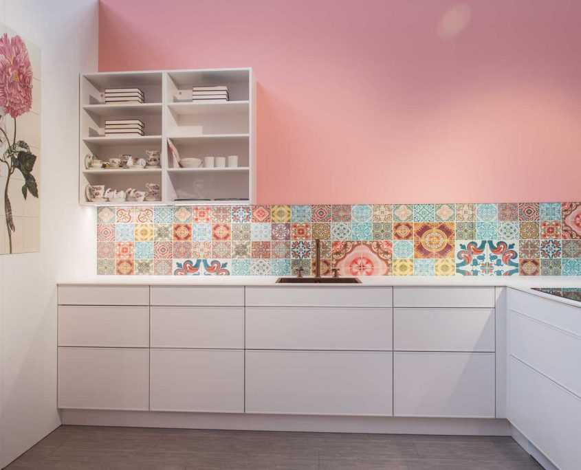 Chelsea Wit & Powder Pink Gloss Lacquer Contemporary Kitchen
