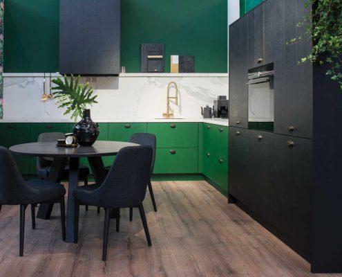 Nyenborgh Botanic Green & Moyland Black Traditional Kitchen